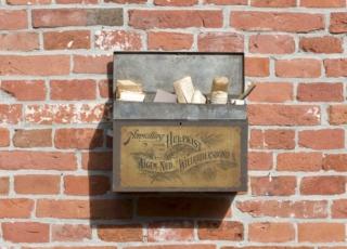 CG Vestingmuseum Nieuweschans Hulpkist met inhoud 8100560@7360 8bit 300dpi web