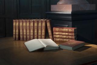 CG VM WP Encyclopedie TN16530@7360 8bit 300dpi web
